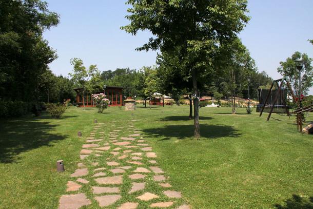 giardino con pozzo
